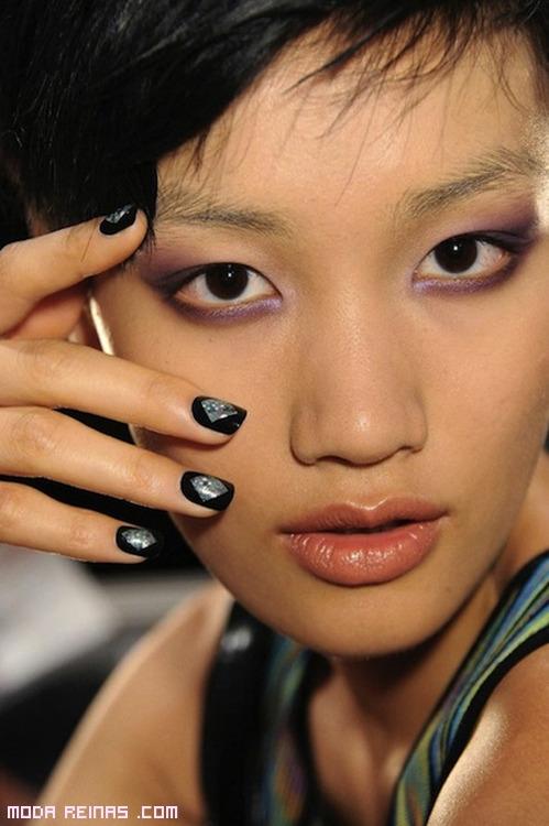 manicura sencilla bicolor de moda