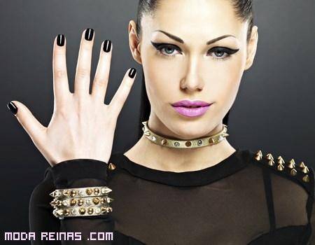 Esmaltes de uñas en color negro