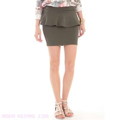 faldas combinadas con blusas de colores