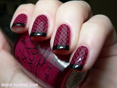 manicure elegante en negro