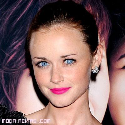 Labios color rosa chicle