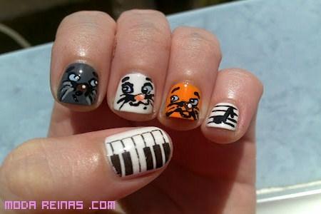 Dibujos animados en tus uñas