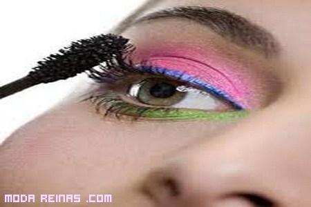 Maquillaje color neón para este verano