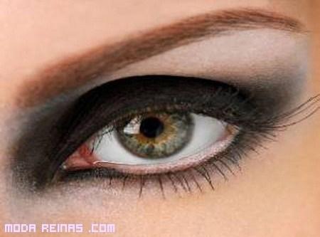 Cómo maquillar ojos grandes