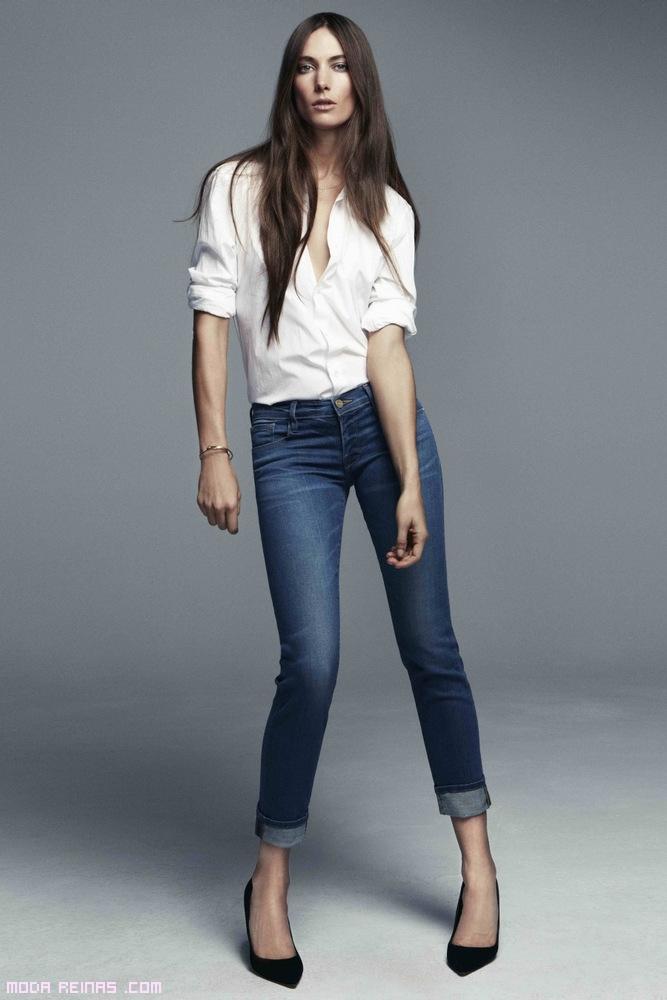 combinar tacones con jeans de dobladillo