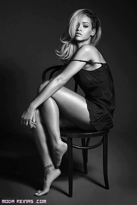 Rihanna con camisón negro