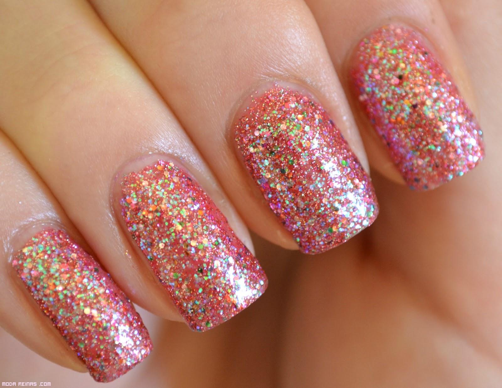 lacas de uñas con glitter