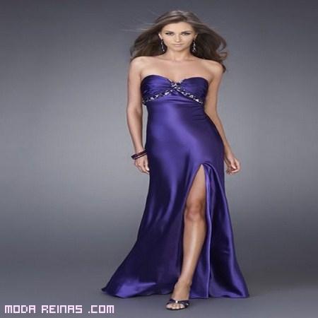 vestido a la moda con abertura en las piernas