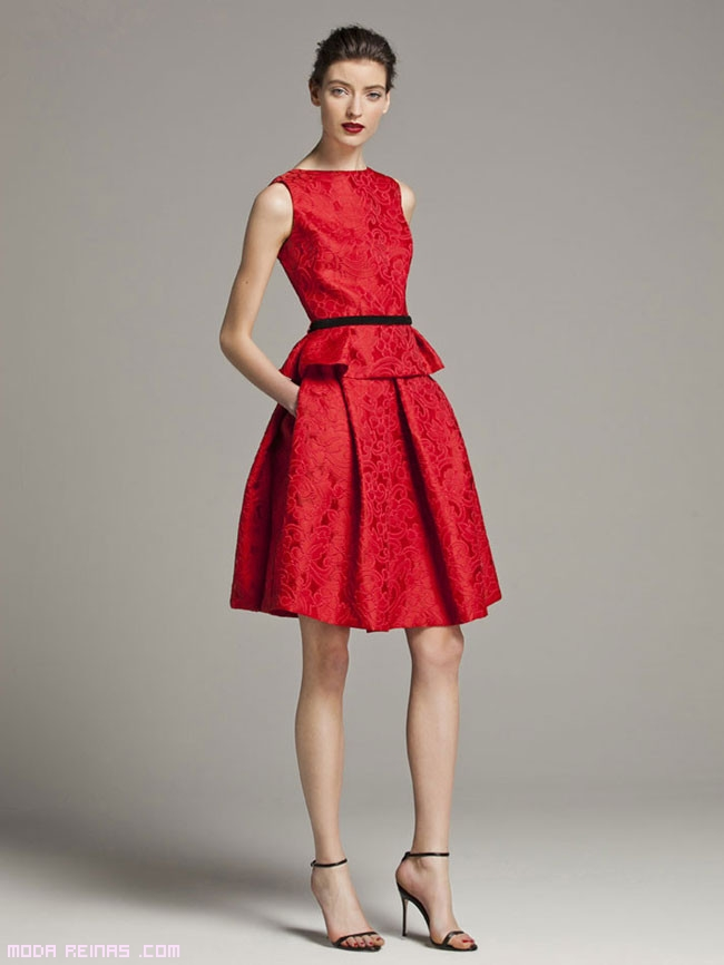 vestidos bordados y cortos a la moda