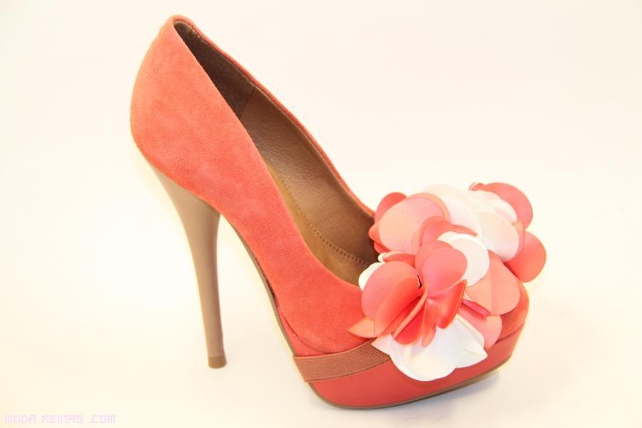 zapatos coral de ante a la moda
