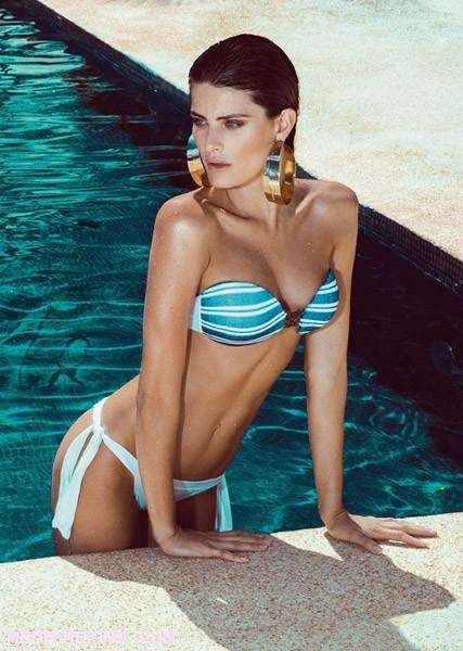 bikinis en azul y blanco