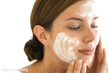 Cómo borrar las manchas del rostro