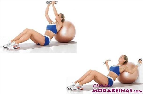 ejercicios con pelota y pesas