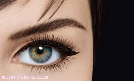 Eyeliner líquido para un mirada sensual