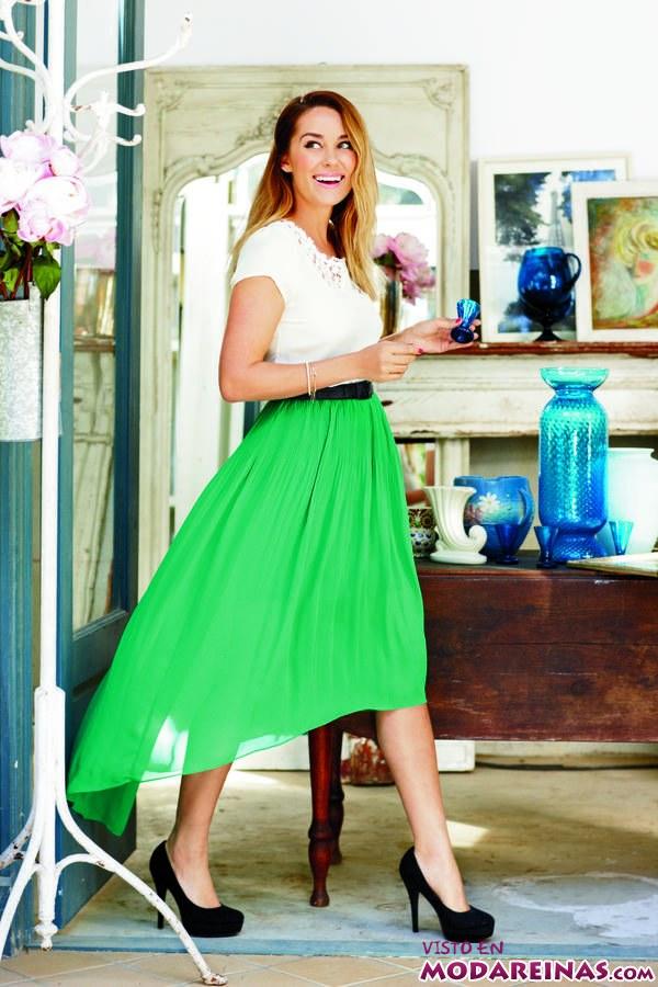 Falda midi en verde