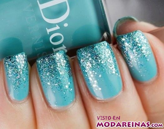 manicura azul para invierno