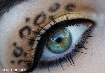 Ojos maquillados en leopardo print