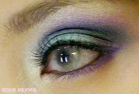 Maquillaje de ojos inspirado en la aurora