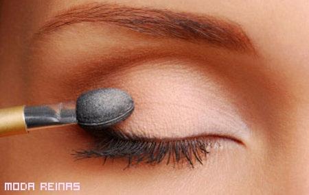 Video paso a paso - Maquillar ojos pequeños
