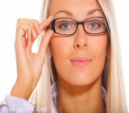 Maquillaje para mujeres con gafas
