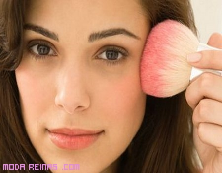 Cómo maquillar rostros alargados