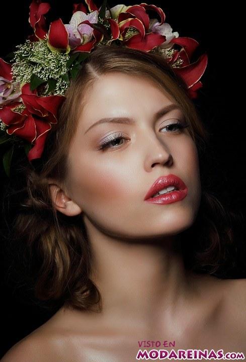 maquillaje y corona de flores