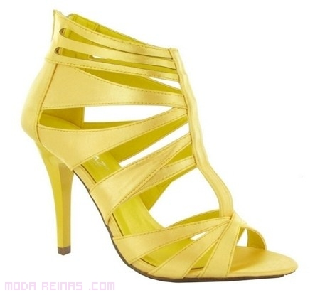 sandalias amarillas para verano