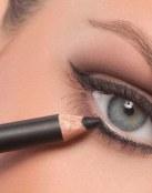 Trucos de maquillaje para ojos caídos