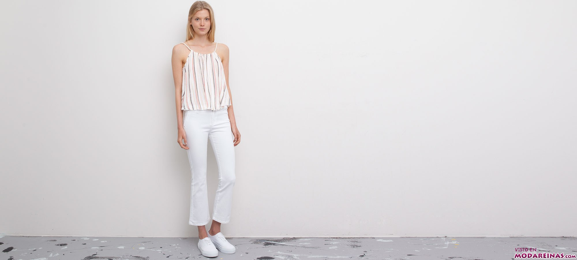 top de rayas y pantalon blanco
