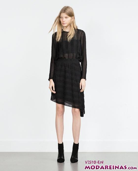vestido asimétrico con transparencias de Zara