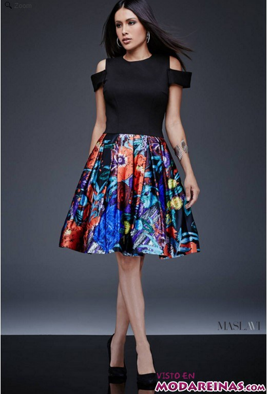 vestido con falda de bordados en color