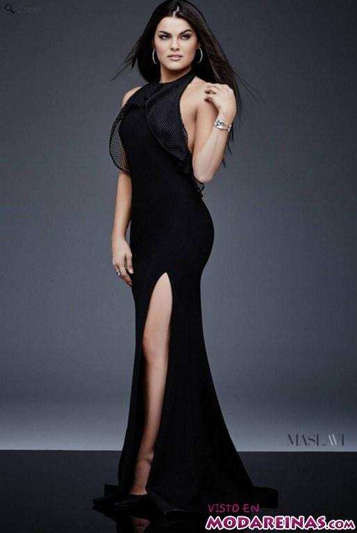 vestido largo en color negro con abertura en la pierna